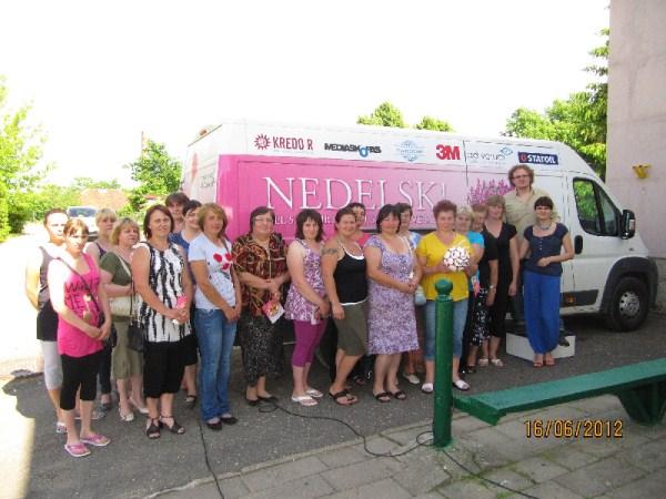 1.Meskalaukio bendruomenės moterys ir Nedelsk komanda