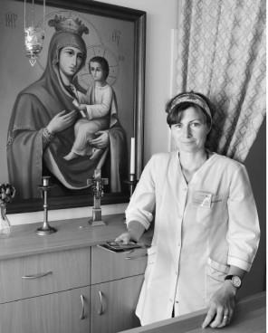 Lina dažnai užsuka į Joniškėlio palaikomojo gydymo ir slaugos skyriuje įkurtą maldos kampelį.