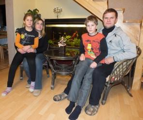 Vidos ir Sigito Baranauskų šeima įsitikinusi, kad jei pinigai išskiria žmones, jie praranda vertę.