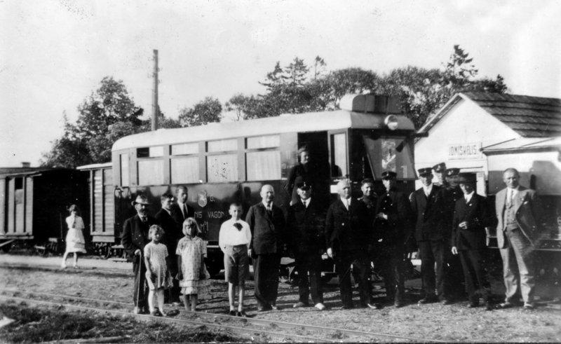 Vadinamoji automatrica senojoje Joniškėlio stotyje. 1935 m.