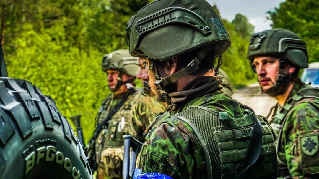Vertino karių pasirengimą